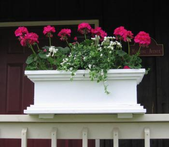 The Maine Bucket Company Contemporary Deck Rail Planter